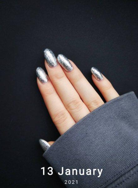 20. Silver Glitter Nail Design
