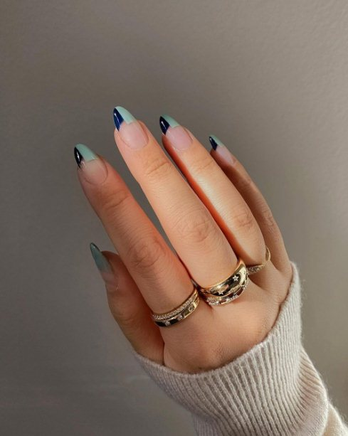 Geometric almond nails