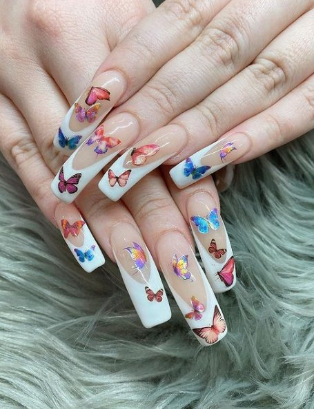 26 Pretty Butterfly Nail Designs 2021 To Try Now