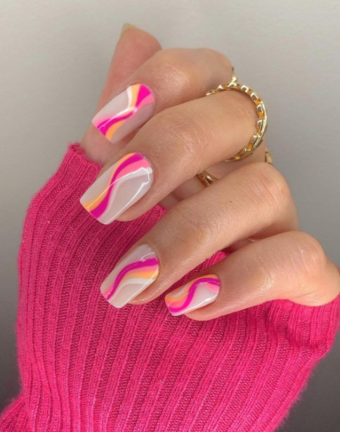10. Easy Summer Nail Designs