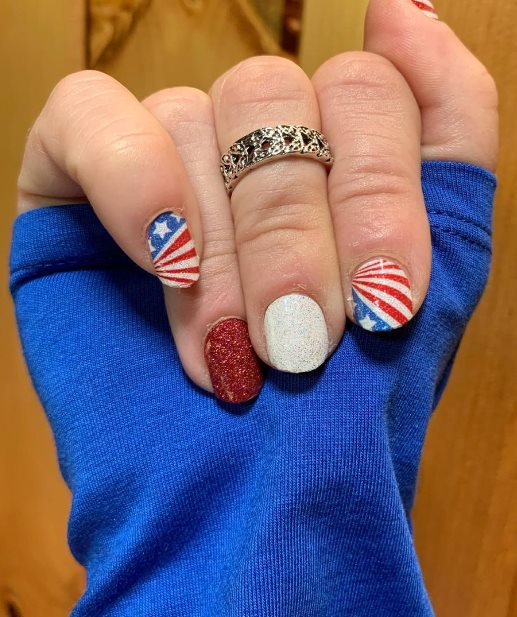 Nails inspired by the American flag