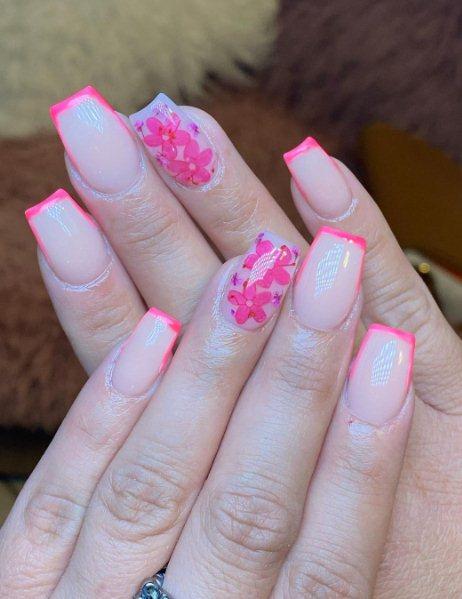 4. Short Pink Acrylic Nails