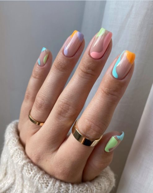 French pastel manicure