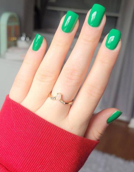 Green forest nail polish