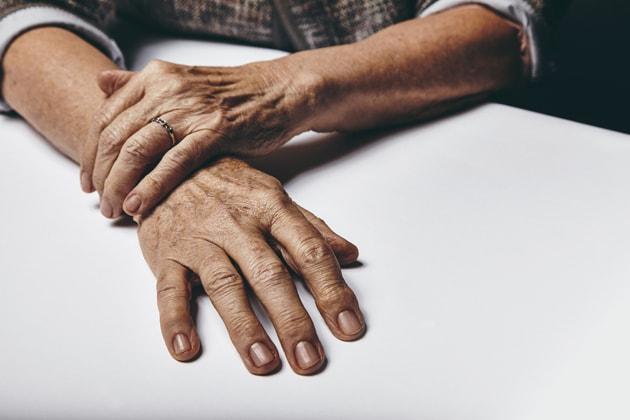 SES 17 am Handgelenk als einer der Strömtipps für den Arztbesuch