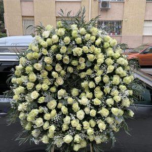 001_corona_blanca_de_rosas