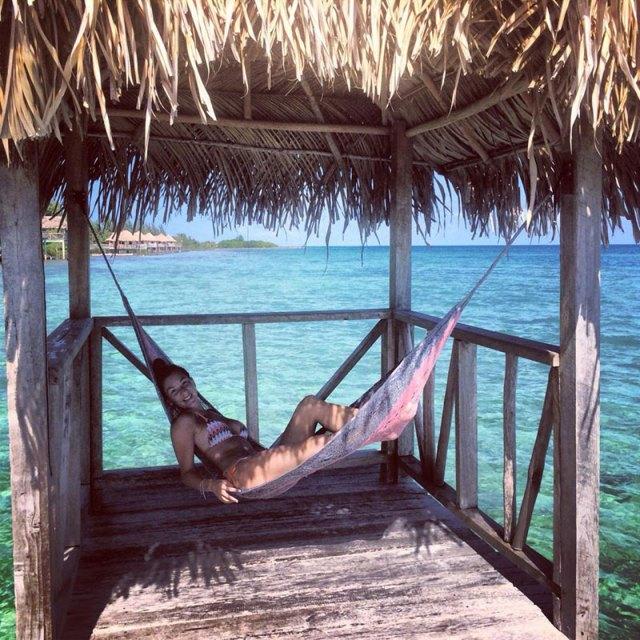 Anna-Ogilvie---Belize-Island