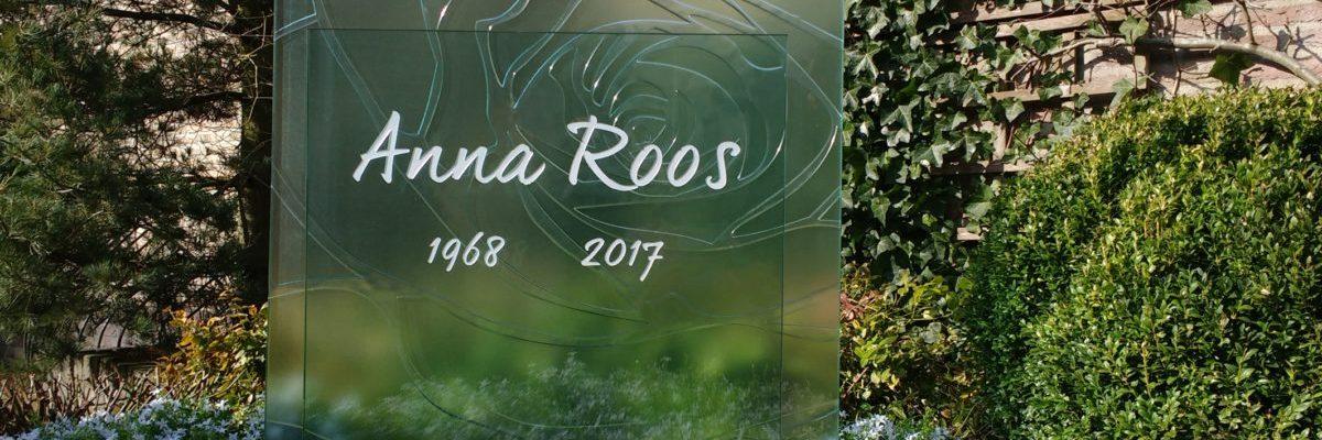 AnnaAnna glazen gedenktekens