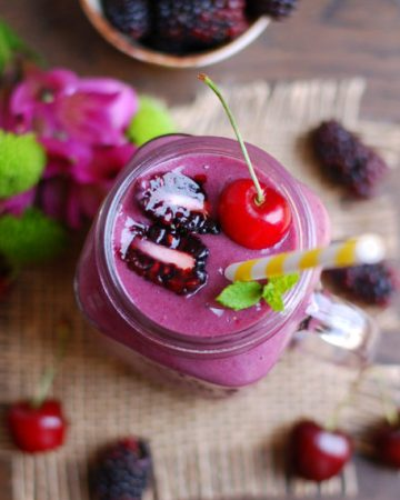Blacbkerry and cherry smoothie