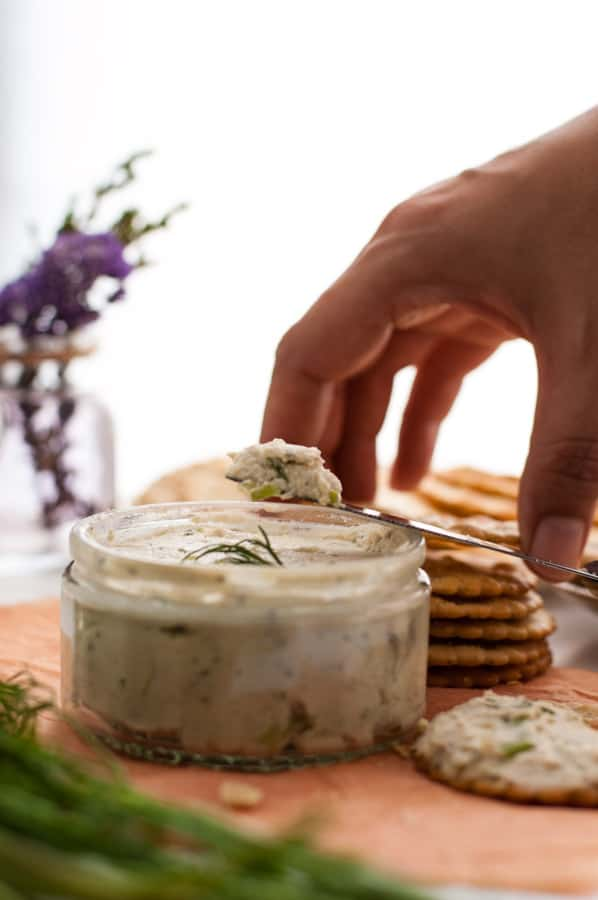 Delicious cashew cream cheese, stuffed with herbs, full of great flavors! Super easy to prepare, non dairy and vegan. | annabanana.co