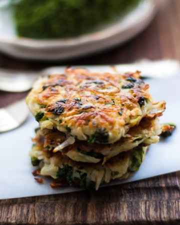 Potato Rosti with Kale and Cabbage. Perfect way to use all the leftovers from your fridge! | via @annabanana.co