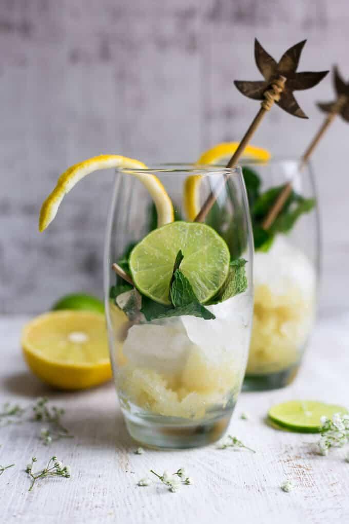 Super fragrant bergamot mojito recipe. Made with fresh mint and Sorrento lemons   via@annabanana.co