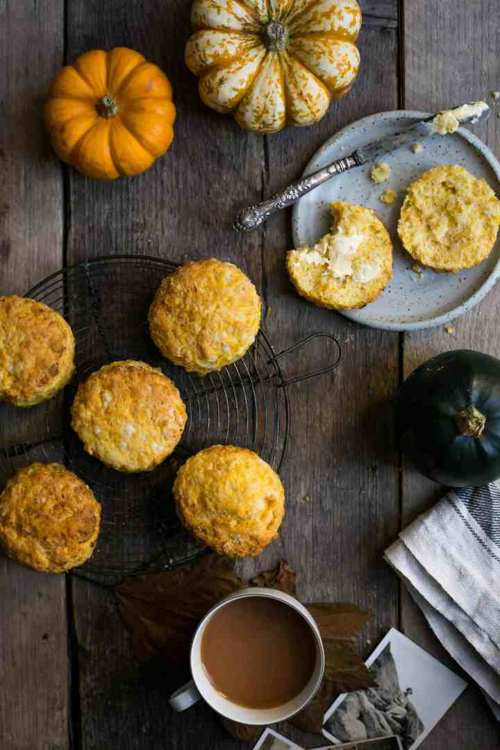 Pumpkin Scones with cheese. Traditional classic with a modern twist! Vegan option! #pumpkin #scones | via @annabanana.co