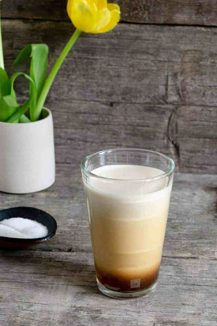 Iced nitro- cold brew coffee #coffeelover #coffeedrink | via @annabanana.co