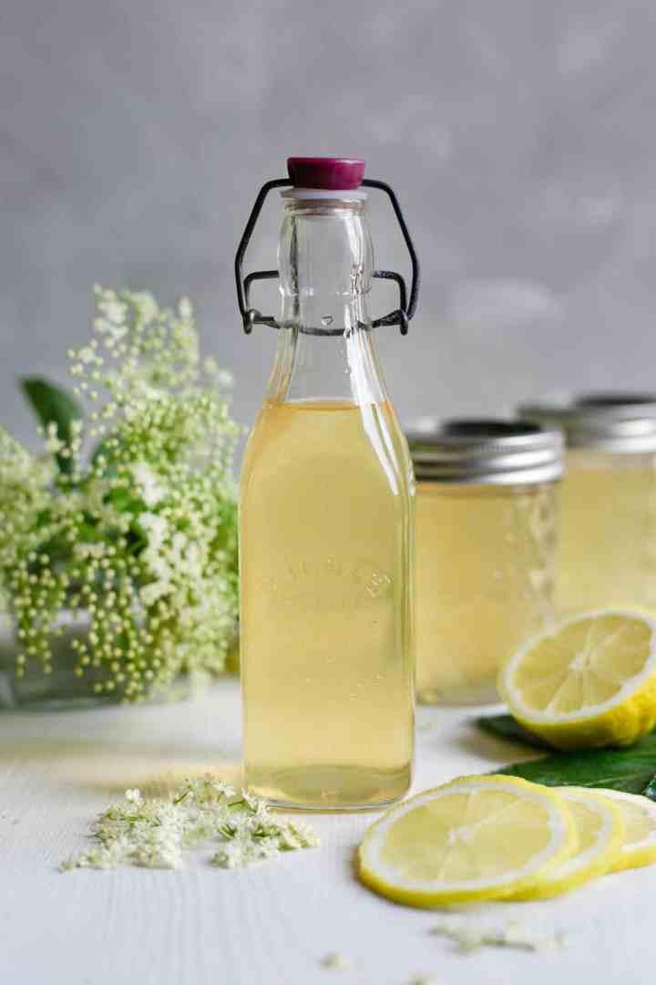 Refreshing and fragrant classic elderflower cordial #elderflower #cordial #homemade   via @annabanana.co