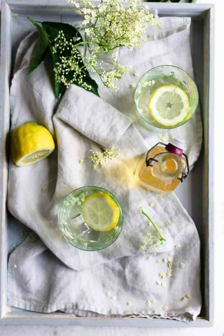 Light, fragrant and delicious recipe for classic elderflower cordial #elderflower #drinkrecipe #cordialrecipe   via @annabanana.co