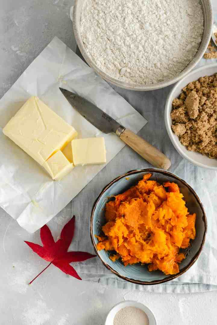 Bowl of pumpkin puree for pumpkin cinnamon rolls