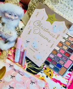 Too Faced Christmas Dreams Palette Look and Review