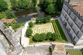 Bourdeilles chateau view of the garden