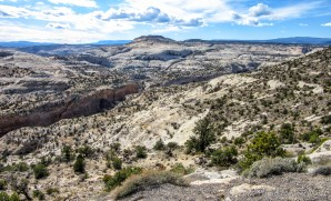 Hogback overlook on Scenic Byway 12 (view to Grand Staircase-Escalante)