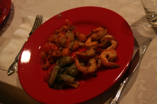 Dinner on Monday. Grilled shrimp, squash with garlic, and sauteed vegetables. <3 Sorry the food pics are rotten. Inside, poor lighting, rushed photographer. =P