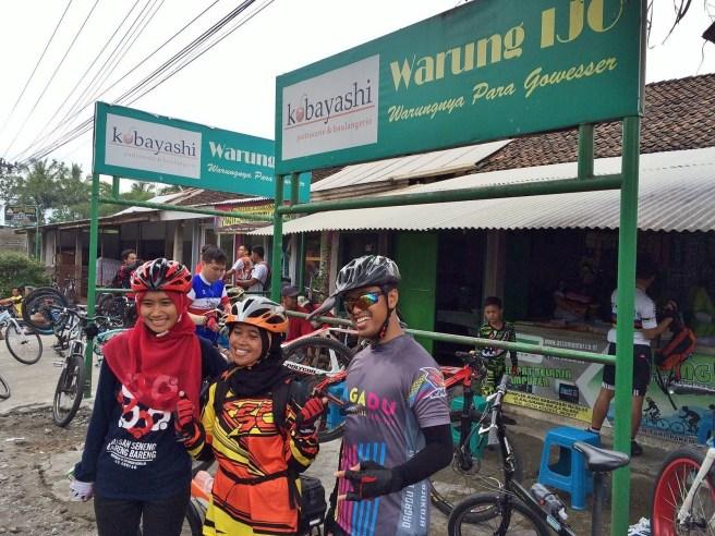 Bareng Mbak Nurhastuti dan Mas Jhoni Purnomo
