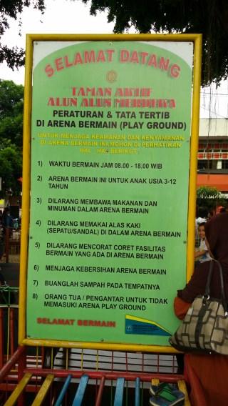 Aturan taman bermain