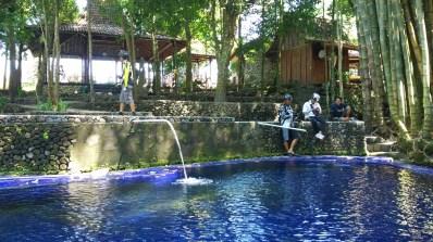 Kolam untuk berendam air dingin pegunungan