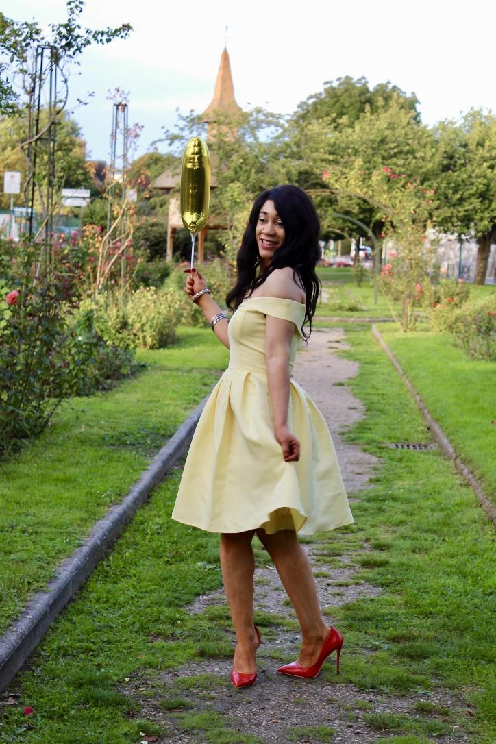 look spécial un an du blog robe jaune