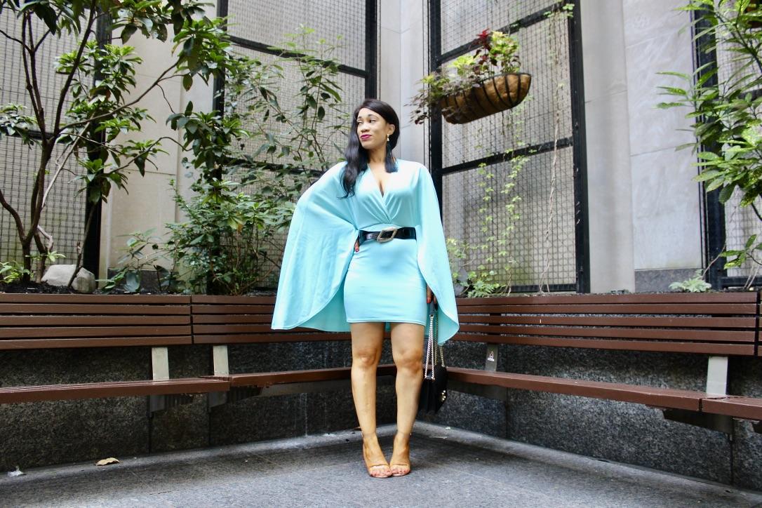 robe turquoise cape