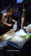Piazzale Maslax, Roma - Volontari preparano la cena per i migranti
