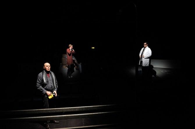 Königs Moment. Foto: Andreas Zauner. v.l.n.r.: Lothar Bobbe, Beatrice Boca, Nils Bartling