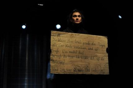 Einige Nachrichten an das All. Foto: Piecuch. Yasmin Münter