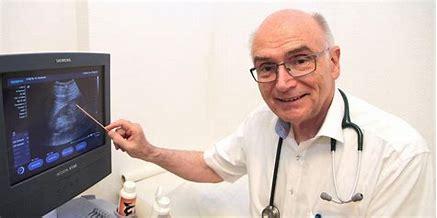 """Videokonferenz mit """"Fernseharzt"""" Dr. Günter Gerhard zur Corona-Impfstrategie"""