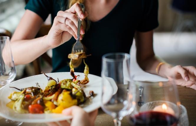 essen gehen dinner gesund restaurant