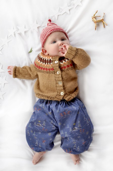 Baby_Winter_Bloomers_Navy_Nisse_blurred