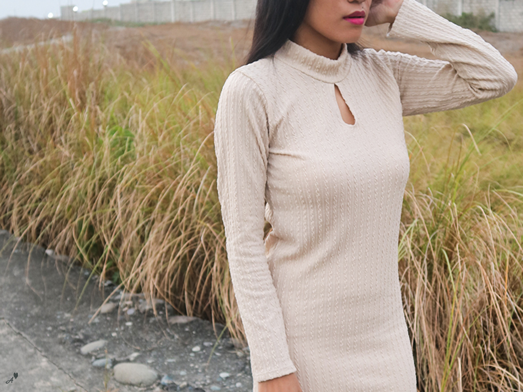Beige + Knitted