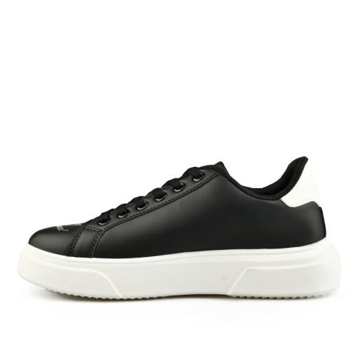 Дамски обувки 084-66 цвят черен Спортно-елегантни, дамски обувки, тип кец . Изчистен стил, на сърца в цвят горчица.