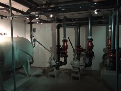 Storage Tank & Hand Pumps