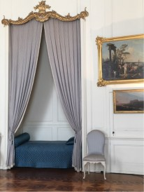 Sanssouci - Guests Room with bed alcove, and including a room with a chamber pot and a servant's room. (1)