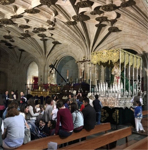 St Stephens, Procession displays and families receiving Palms for Sunday