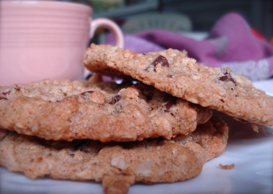 Oatmeal Strawberry Chocolate Chip Cookies are a welcome lunchbox treat.