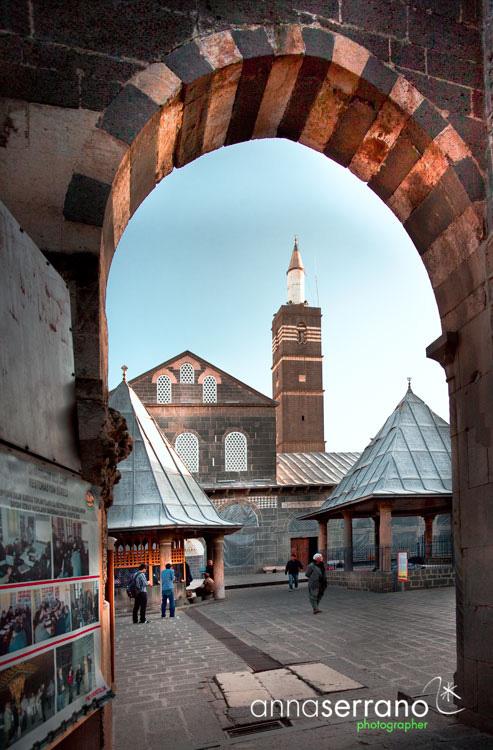 003-TR-Diyarbakir-0734