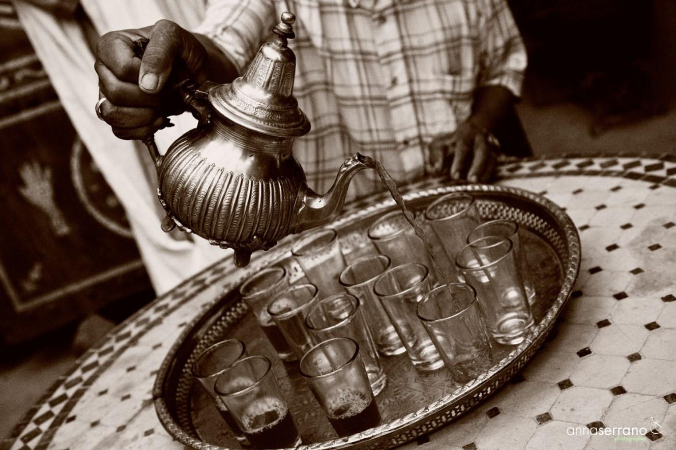 Africa, Magreb, Morocco, Southern Morocco, Zagora, Traditional tea serving