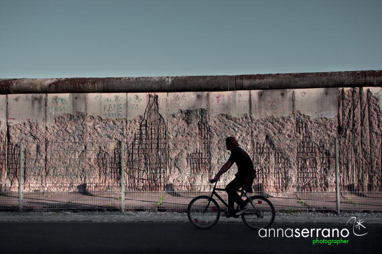 Germany, Berlin, Friedrichstrasse, the wall