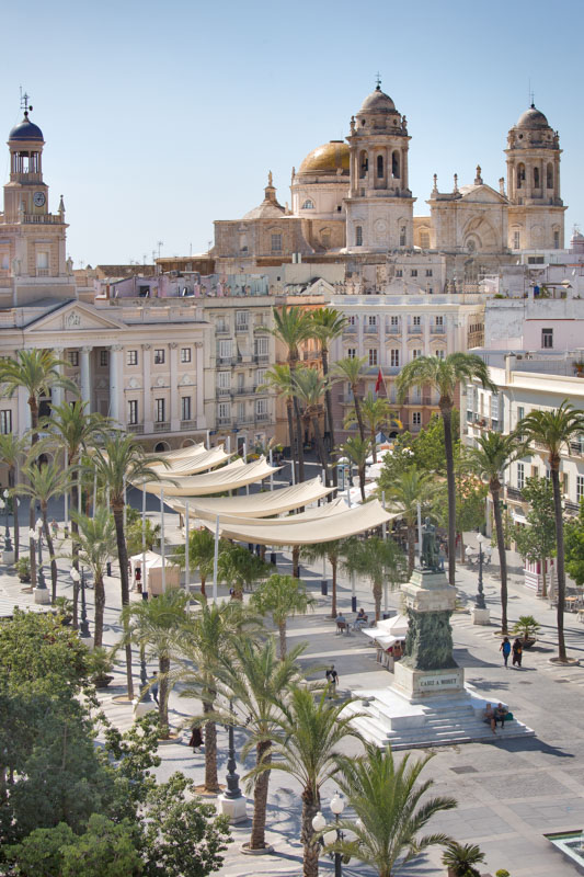 Spain, Andalusia, Cadiz, Plaza de San Juan de Dios Square and the Cathedral in the background