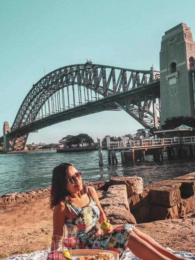 solo female travel blogger