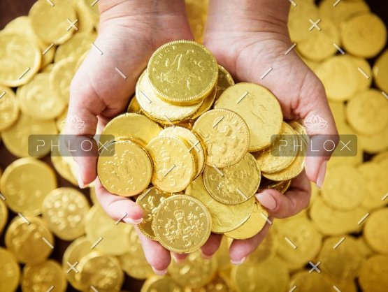 golden-chocolate-coins-PK4HX6B