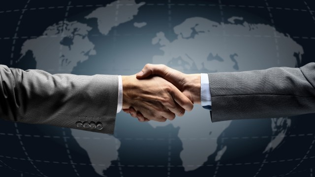 men_shaking_hands_agreement_meeting_80507_1920x1080