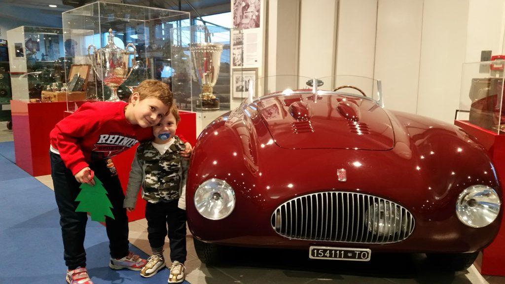 Al museo Nicolis con il mio fratellino.